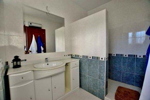 Moderner Wohnkomfort in traumhafter andalusischer Landschaft-08