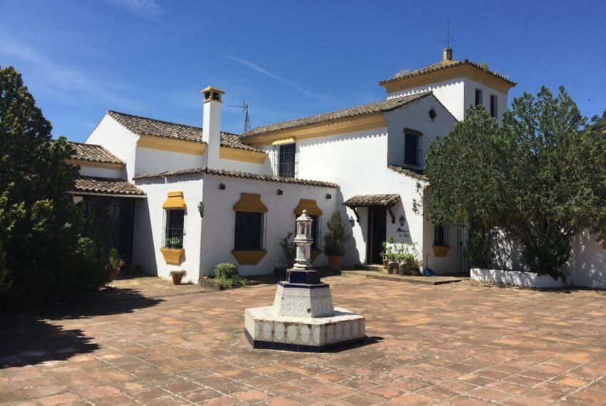 Fincas Andalucia - Typisches spanisches Cortijo mit Pferdeboxen in Ronda