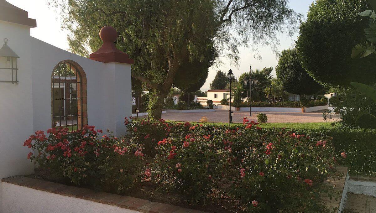 Fincas Andalucia - Andalusisches Landhaus mit Restaurant und Pferdestall Titelbild
