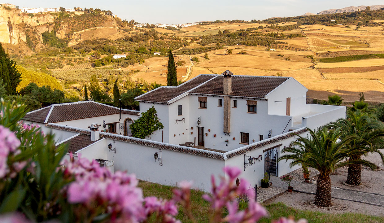 Andalusisches Cortijo mit Möglichkeit für Hotel und Pferdehaltung