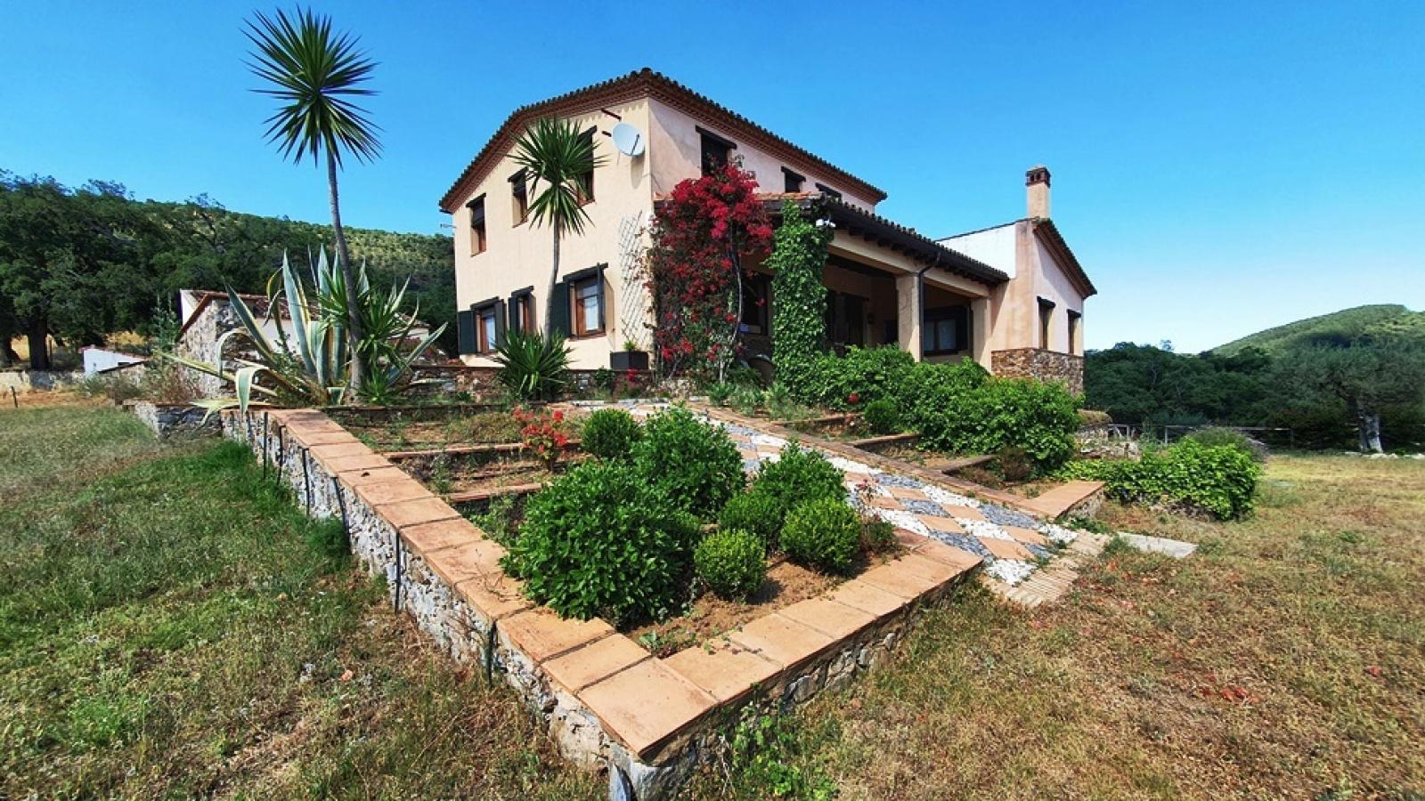 Spektakuläre Finca mit Bauernhaus im Herzen des Naturparks