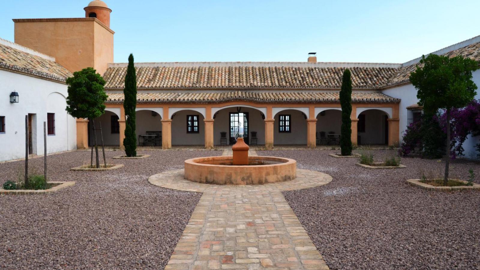 Spektakuläres Cortijo auf einer Finca mit 950 Hektaren